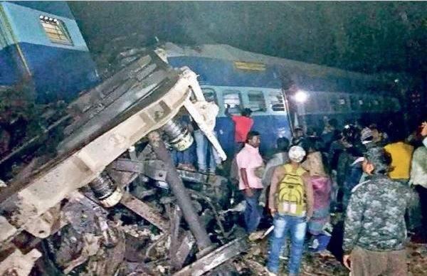 Hirakand Ekspres terguling menyebabkan puluhan tewas dan terluka/ New Indian Express