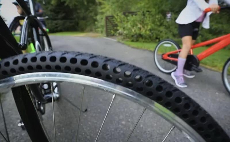Ban sepeda anti kempes membuat acara bersepeda bebas hambatan
