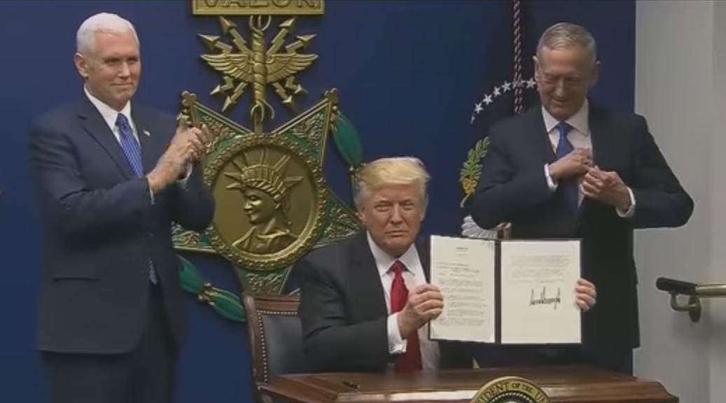 Trump menandatangani larangan muslim masuk AS