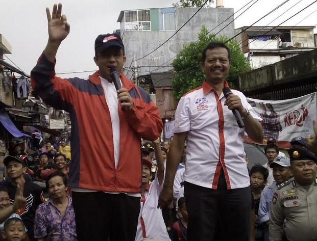 Calon Gubernur DKI Anies Baswedan saat mengunjungi warga Sawah Besar, Jakarta Pusat (16/1)