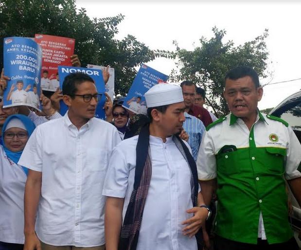 Cawagub DKI Sandiaga Uno blusukan ke Cipinang Jaya Jakarta Timur bersama Ustad Solned