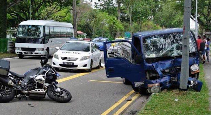Kecelakaan lantas dijalanan Singapura/ Singapore