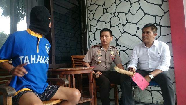 Yanto, dukun palsu yang mencukil kemaluan bocah wanita untuk jimat kesaktian ditangkap polisi.