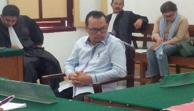 Wasekjen DPP Partai Demokrat Ramadhan Pohan telah melakukan penipuan terhadap dua orang dengan nilai total Rp15,3 miliar.