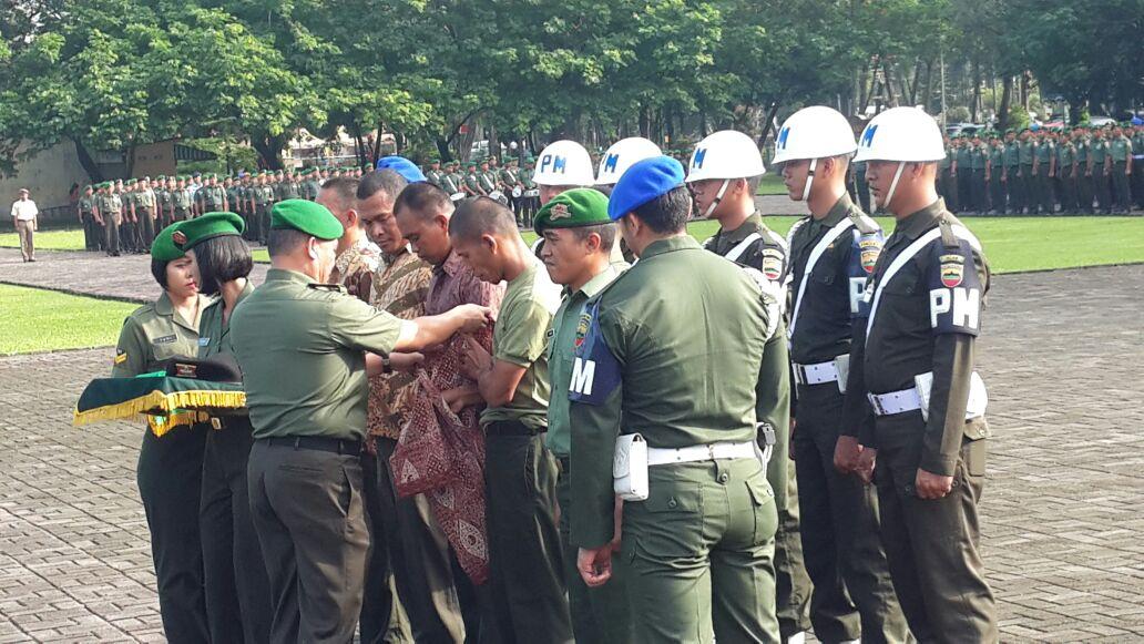 21 Anggot TNI dipecat