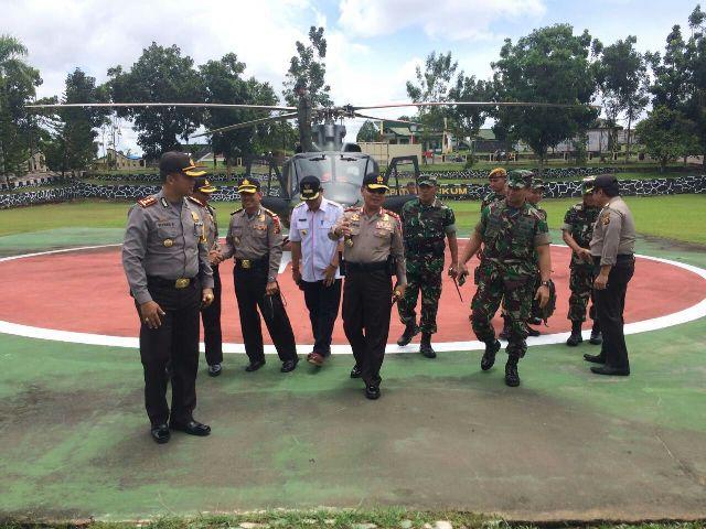 Kapolda Kalbar Irjen Pol Musyafak dan Pangdam Tanjungpura Mayjen TNI Andhika Perkasa, memantau langsung Pilkada serentak.
