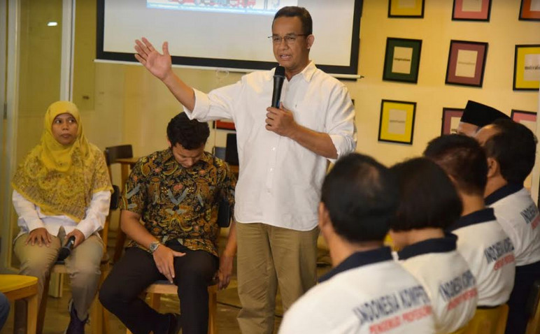 Calon Gubernur Anies Baswedan dalam diskusi Typology Cafe, Jaksel,