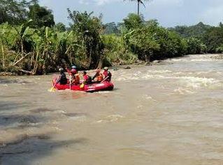 Proses pencarian korban laka sungai elo magrlang