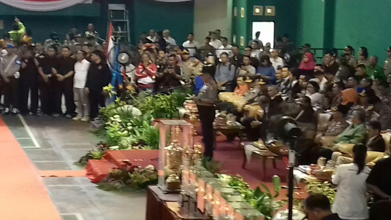 Kapolri Jenderal Pol. Tito Karnavian secara resmi membuka kejuaraan nasional Kapolri Cup 2017 di GOR Wujil, Semarang, Jawa Tengah, Kamis (9/3) pagi.