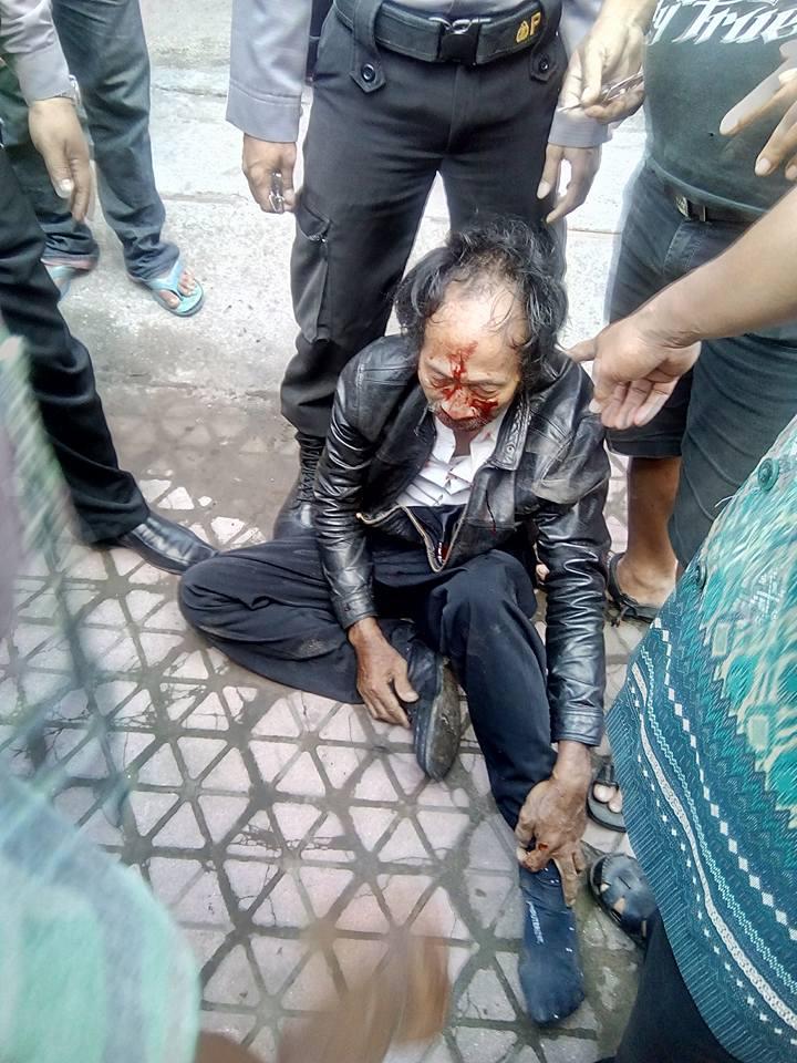 Aksi penangkapan pelaku gendam di Kabupaten Blitar, Jawa Timur diselingi dengan kejar-kejaran bak di film laga. Pasalnya, seorang pelaku sempat melarikan diri dengan sepeda motor, hingga membuat warga yang melakukan pengejaran tancap gas, demi menghentikan motor pelaku.