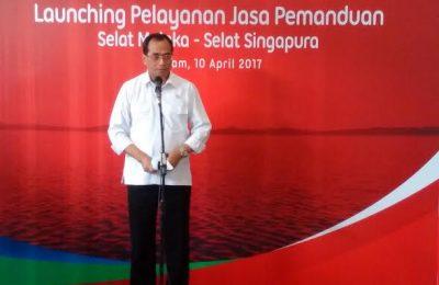 Menteri Perhubungan RI, Budi Karya Sumadi, meresmikan jasa pemanduan Selat Malaka-Selat Singapura, Senin (10/4).