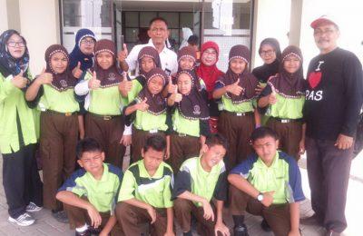 Salah satu Kontingen pekan seni pelajar (PSP) Kabupaten Pasuruan yang akan berangkat berlaga di Kota Kediri (foto : abd)