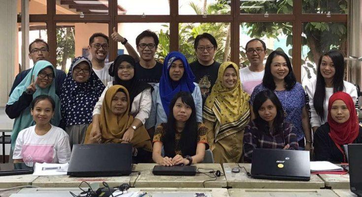 TKI ikut kelas bahasa coding gratis di Singapura/ SCMP