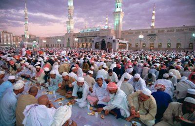 Buka puasa bersama gratis ditanggung negara/ Muslim Village