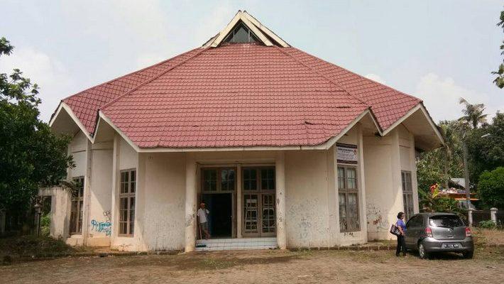 Gedung Balai Rakyat milik Pemkot Depok yang kondisinya tak terawat.