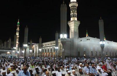 Shalawat taraweh dan ibadah itikaf di 10 hari akhir Ramadhan/ Arab News