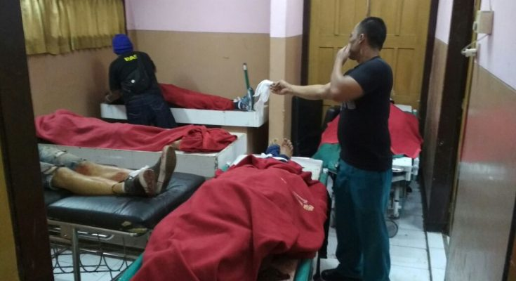 Korban tewas kecelakaan maut saat di ruang jenazah RSUD dr. Mohammad Saleh Kota Probolinggo Jawa Timur.(foto: dic)