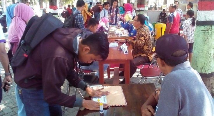 Job Fair di Situbondo diserbu ribuan pencari kerja. (foto: fat)