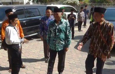 Agus Rahardjo Ketua KPK saat datang di Ponpes Nurul Jadid di Paiton Probolinggoi Jawa Timur.(foto: dic)
