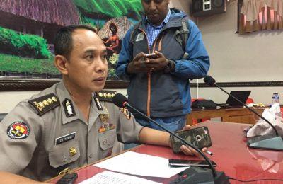 Kabid Humas Polda Papua Saat Memberikan Keterangan Pers Setelah Penangguhan 11 Tersangka Pengrusakan Kantot Kemendagri. (Foto : riy )