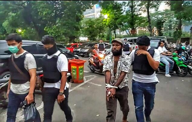 Sejumlah pelaku kerusuhan di Kemendagri diamankan polisi. (Tama)