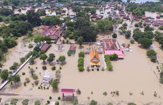Banjir bandang di Thailand/ Sunthorn
