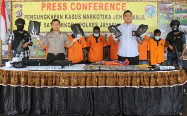 Barang Bukti ganja 5 kilogram saat dirilis oleh Polres Jayapura. (foto : riy)