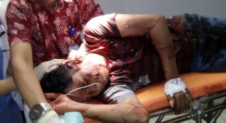 Korban penusukan Syukur Adinata alias Tigor, ketika di rawat di RSUD Situbondo. (foto: fat)