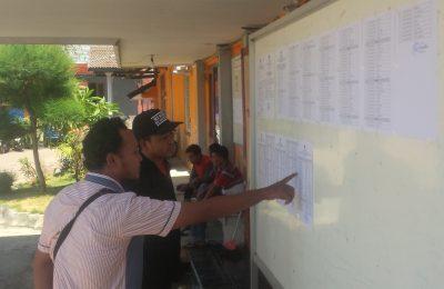 KPU Situbondo menetapkan sebanyak 168 orang calon PPK yang dinyatakan lolos tes tulis. (foto:fat)