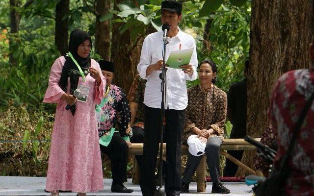 Presiden Jokowi mengingatkan kepada para petani agar memanfaatkan lahan yang dipinjamkan, untuk di kelola dengan sebaik-baiknya.(foto:ist)