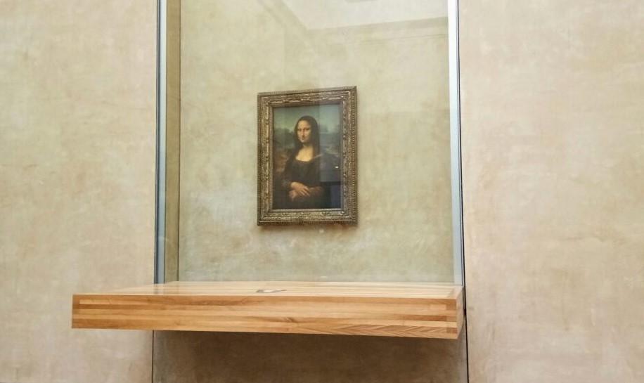 Lukisan Monalisa karya Leonardo Da Vinci di Museum Louvre, Paris.