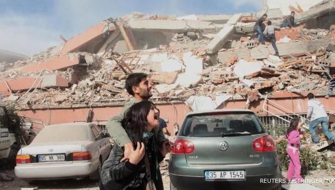 Gempa berkekuatan 7,3 skala Richter di Ezgeleh, Iran (foto. REUTERS)