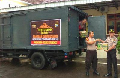 Polres Situbondo mengirim bantuan ratusan karton mi instan bagi korban bencana alam letusan Gunung Agung. (foto:fat)