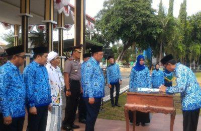 Bupati Situbondo Dadang Wigiarto, mencanangkan penyelenggaraan pemerintahan yang bebas korupsi.(foto:fat)