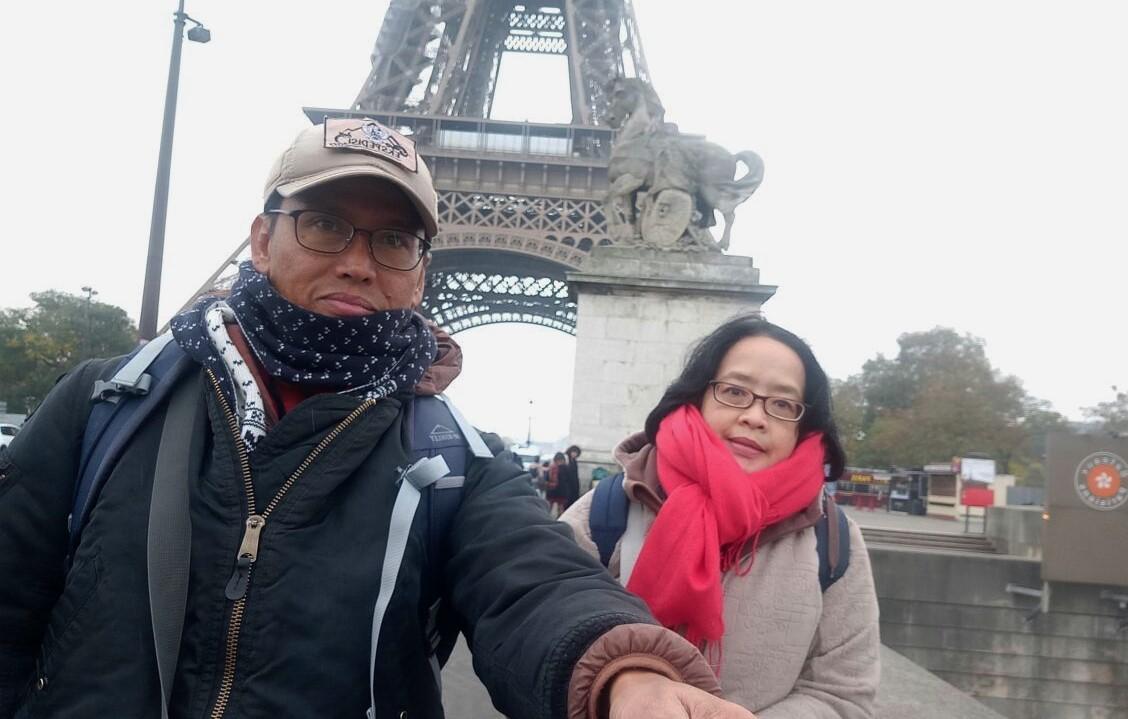 Menara Eiffel, dianggap sebagian warga dunia tempat paling romantis.