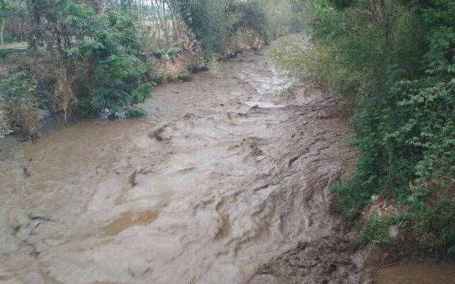 : Kondisi banjir bandang di lokasi air terjun Umbulan di Desa Sapi Kerep,  Kecamatan Sukapura, Kabupaten Pronolinggo Jawa Timur. (foto: istimewa)