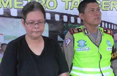 seorang pengemudi minibus yang kabur saat dilakukan razia Operasi Zebra di Tangerang sempat menjadi viral di media social. (foto: sly)