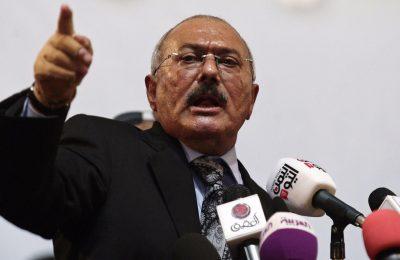 Mantan presiden Yaman Ali Abdullah Saleh telah dibunuh oleh pemberontak Houthi di dekat ibu kota, Sanaa,
