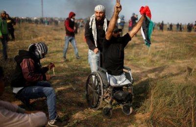 Penembak jitu Israel membunuh Ibrahim Abu Thuraya hari ini dalam demonstrasi di Gaza Timur (dia sudah kehilangan dua kakinya dalam serangan Israel sebelumnya di Gaza)/ ist