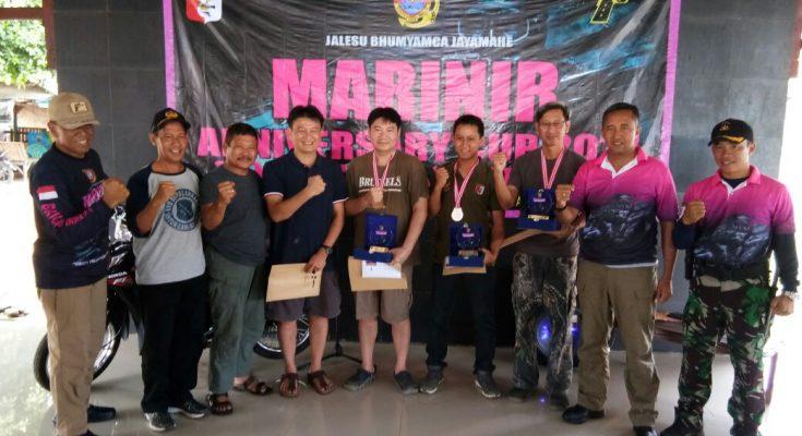 Komandan Pasukan Marinir 2 Brigjen TNI Mar.  Nur Alamsyah menutup  lomba menembak berburu Marinir Cup 2017 di Pulau Sebesi,  Lampung, Minggu (17/12). (foto:tat)