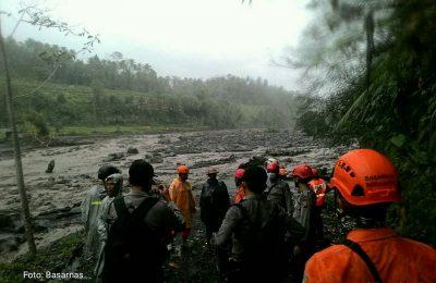 Mengantisipasi situasi buruk, Tim SAR gabungan telah mempelajari mengenai jalur evakuasi yang dipersiapkan./ Basarnas
