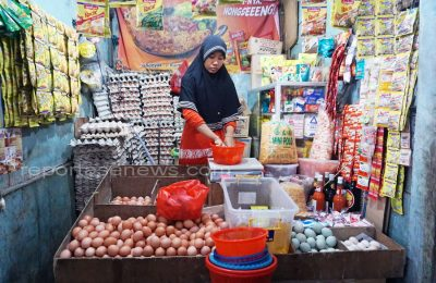 Harga-harga bapok di Provinsi Jawa Tengah terkendali dan pasokannya cukup untuk menghadapi Natal 2017 dan Tahun Baru 2018/ HSG