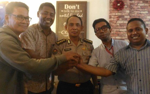 Kabid Humas Polda Papua saat bertemua dengan perwakilan organisasi Pers di Papua IJTI, AJI , IJN dan PWI. ( foto : riy )