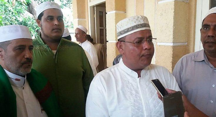Habib Shaleh Al-Muhdlar, dan Habib Husen Bin Muhdlar Al-Muhdlar. (Foto:fat)