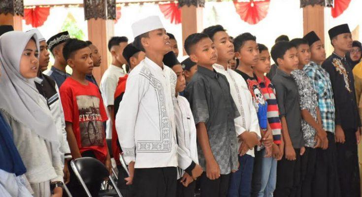 Ratusan siswa SMP Situbondo, menjadi peserta belajar  bahasa inggris di Ponpes Situbondo.