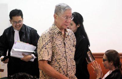 Sidang mafia tanah dengan terdakwa mantan  presiden direktur Jakarta royale golf club, Muljono Tedjokusumo kembali di gelar di PN Jakbar dengan agenda pemeriksaan saksi Bunyamin. (foto:ist)