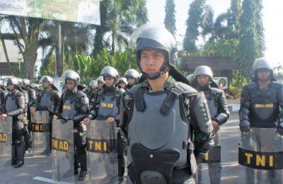 Apel Gelar Pasukan dalam rangka pengamanan menghadapi pemilu 2019, di halaman Taman Alun-Alun Kapuas, Jalan Rahadi Usman, Pontianak. (foto:das)