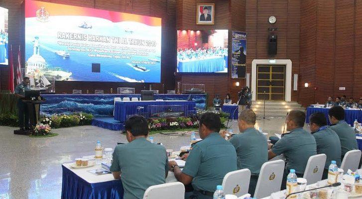 Rapat Kerja Teknis Pemeliharaan dan Perbaikan (Rakernis Harkan) TNI Angkatan Laut di Markas Besar Angkatan Laut (Mabesal), Cilangkap, Jakarta Timur, Selasa (12/3).