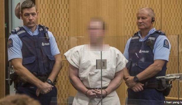 Brenton Harrison Tarrant, pelaku pembantaian di duamasjiddi Selaindia Baru saat menjalani persidangan perdana, Sabtu (16/3).(Foto.Ist)