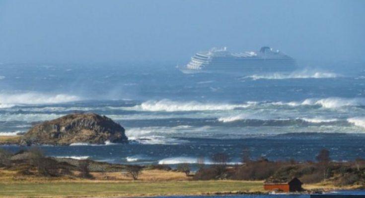 Kapal Pesiar MV Viking Sky menuju pelabuhan terdekat di lepas pantai barat Norwegia. (Foto.Ist)